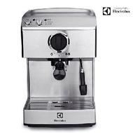 【伊萊克斯 Electrolux】義式咖啡機(EES200E)