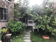 住宿 莉莉浪漫民宿~8人房、有5張床、可加床加人、近世賢路、可停多部汽車、適合包棟、歡迎家庭聚會朋友旅遊~ 台灣省嘉義市, 嘉義市