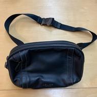 (全新)Coach F37594 黑色 雙拉鍊胸包 腰包