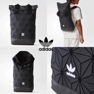 Adidas 3D Roll Top Backpack กระเป๋าเป้สะพายหลัง เปิดปิดแบบ Roll Top ด้านหน้ามีโลโก้ ด้านหลังมี1ช่องซิปใช้งานได้จริง