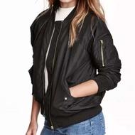 瑞典H&M 黑色鋪棉MA-1飛行夾克