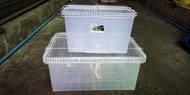 กล่องเพาะเม่น กล่องเพาะหนูแฮมเตอร์ และนก ขนาด 22 x 32 x 20 cm พร้อมฝาตระแกง ราคา 180 บ.