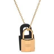 【Hermes 愛馬仕】經典OKelly系列鎖頭造型吊墜項鍊(小-黑色X金H078852CC-BLK)