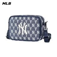 【MLB】Monogram老花系列 藍色小方包 相機包 斜背包 紐約洋基隊(32BGDM111-50N)