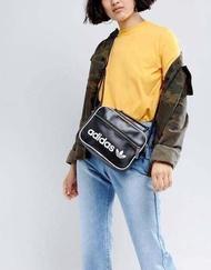 Adidas Crossbody Bag - Mini Airliner Vintage กระเป๋าสะพายข้างแนว sport วัสดุ pu แท้