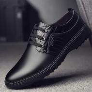 💥 ROYALLOVERS 💥 รองเท้าคัชชูหนังผู้ชายแบบผูกเชือก CM545 สีดำ ไซส์ 39-46