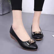 รองเท้าคัชชู รองเท้าส้นเตี้ย รองเท้าส้นแบน รองเท้าผู้หญิง รองเท้าทำงาน
