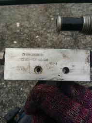 賓士 BENZ ABC液壓避震器週邊 分配閥 拆車良品 W220 W215 R230 SL55 CL55 S500