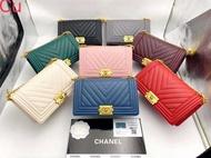 กระเป๋า Chanel Boy Chevron 10'