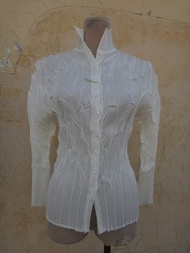 jacob00765100 ~  正品  Yamasaki Takashi 山崎隆史 白色 外套式摺衣 size: F