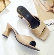 คัชชูหัวเปิดแบบส้นสูงผู้หญิง รองเท้าส้นสูงแฟชั่นขายดี รองเท้าคัชชูส้นสูง 2 นิ้ว  F140 (สีครีม)