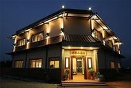 住宿 湖光山景樓|可包棟、KTV、烤肉、麻將、代售票券