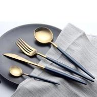 【KOTI 日安生活】北歐風304不鏽鋼餐具組叉勺子筷子3件組-水滴系列金色(鍍鈦金環保便攜餐匙湯匙西餐叉)