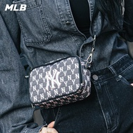 【MLB】Monogram老花系列 黑色小方包 相機包 斜背包 紐約洋基隊(32BGDM011-50L)