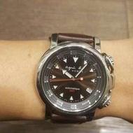 agnes b 絕版機械錶 已換過新的原廠咖啡色鱷魚壓紋皮錶帶 有使用過的痕跡