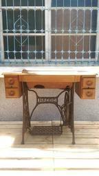 {入木三分/復古傢俱}*早期*裁縫桌*正常可用