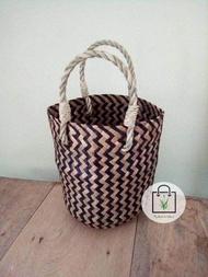 งานสานกระจูด ทรงตะกร้า งานแฮนด์เมด Krajood handmade bag งานสานจากกระจูด ทรงตะกร้า สีทูโทนพับครึ่งได้ #กระเป๋าสาน #กระจูด #Handmade  #แฮนด์เมด #งานฝีมือ