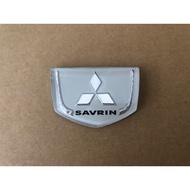 三菱 SAVRIN 01-04 全新 水箱罩標誌