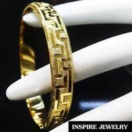 INSPIRE JEWELRY กำไลทองลายทองตอกลายแบบร้านทอง ทรงกลม หน้ากว้าง 1cmรอบวงใน 6x6cm แฟชั้นอินเทรนชั้นนำ  งานเกรดพรีเมี่ยม งานปราณีตพร้อมถุงกำมะหยี่ สวยงาม น่ารัก ใส่ถอดง่าย ใส่ได้กับเสื้อผ้าชุดแบบ ของขวัญวันเกิด  วันแม่ ปีใหม่ วาเลนไทน์
