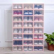 DH SHOMEกล่องใส่รองเท้า ฝาหน้าเปิด-ปิดพลาสติกแบบหนา กล่องรองเท้า กล่องเอนกประสงค์ แข็งแรง วางซ้อนต่อได้หลายชั้น ป้องกันน้ำ ฝุ่น แมลง ชั้นวางรองเท้า ตู้เก็บรองเท้า กล่องพลาสติก กล่องใส่ของ กล่องใสรองเท้า กล่องใส่รองเท้าพลาสติก รุ่นฝาแข็ง