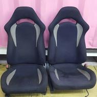 SUBARU IMPREZA  原廠賽車椅  物品如圖一張  腳架需整理 含原廠腳架滑槽 一張3600