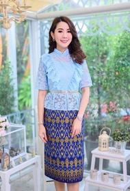 ชุดไทยสีฟ้า เดรสผ้าไทยสีฟ้า ชุดวันแม่สีฟ้า เสื้อลูกไม้สีฟ้า ชุดติดกัน