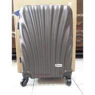 *靚美妝雜貨屋*美國 Rowana 20吋時尚經典登機箱 行李箱-棕鈦
