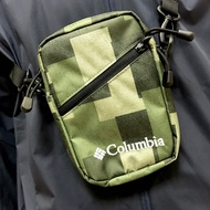 【Columbia】日線側背包 迷彩 UPU82370