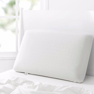 Dreamaker Memory Foam Pillow