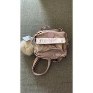 『B.G.灰色空間』Kipling 猴子包 K08249 玫瑰金 輕便 休閒 防水 斜背肩背側背手提雙肩後背包多用小包