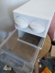 hitachi fridge ice cubes tray box