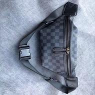 HQU916ผู้ชายกระเป๋าคาดหน้าอกกระเป๋าสะพายข้างใหญ่-ความจุแฟชั่นลำลองกระเป๋าสะพายไหล่กีฬากระเป๋าเดินทางคาดอกกระเป๋าคาดหน้าอกชายแฟชั่นเกาหลียี่ห้อ