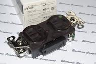美國COOPER AH8300B 125V 20A NEMA 5-20 咖啡色高級醫療級插座 (DUPLEX型)
