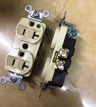 新插座6.美國原裝米色二手荷寶HUBBELL黃銅鐵底醫療級認證電源插座-特價1个500元