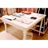 華麗花邊白木頭桌(二手)