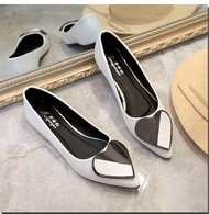 รองเท้าแบน หัวแหลมรูปหัวใจ รองเท้าผู้หญิงรองเท้ารองเท้าคัชชู ( มี 4 สี ฟ้า / ชมพู / ขาว / ดำ ) ❤❤