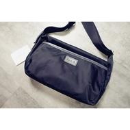 【MP】Agnes b側背包 / 隨身經典標方包