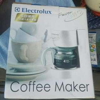 🚚 Electrolux伊萊克斯.4人份滴漏式咖啡機 (ECM4G)