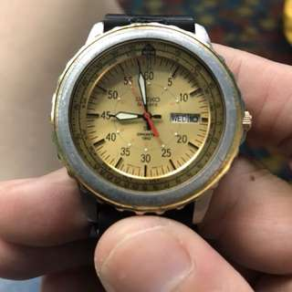 Vintage rare Seiko 150m quart diver watch yellow face all moving,wat u c wat u get tks