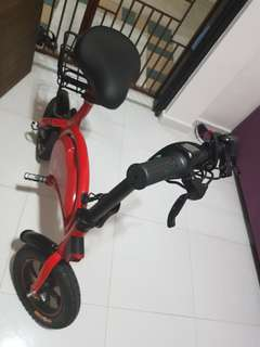 ⚡FAST DEAL ⚡⚡⚡ $800, DYU SCOOTER 36V 10.4AH with motor upgrade , change wheels and seat. Use only less than 1 month!!!