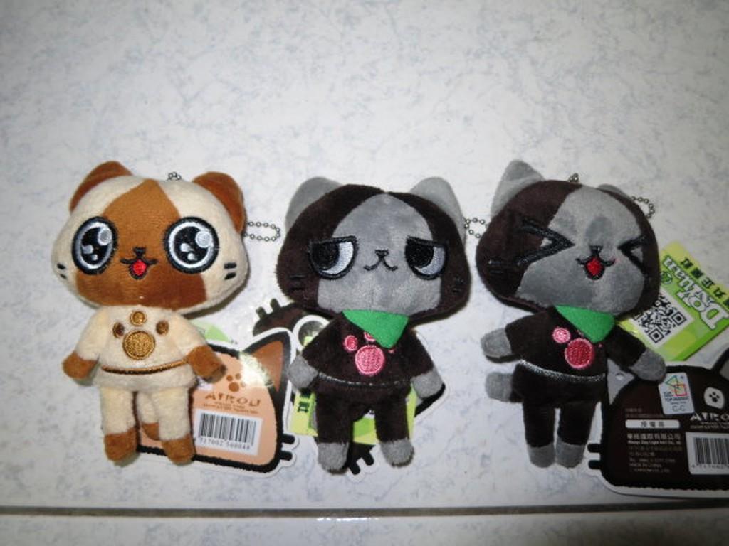 ///可愛娃娃///~4吋正版日本人氣遊戲~魔物獵人AIROU艾路貓珠鍊絨毛娃娃(黑貓)---約13公分