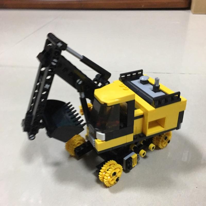 小魯班 挖土機 無履帶 零件車 可和樂高相容