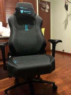 🚚 Secret Lab Titan Charcoal Chair