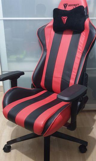 SECRET LAB gaming chair