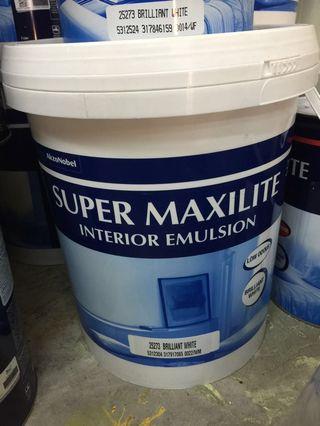 ICI dulux / akzonobel super maxi lite White emulsion Paint