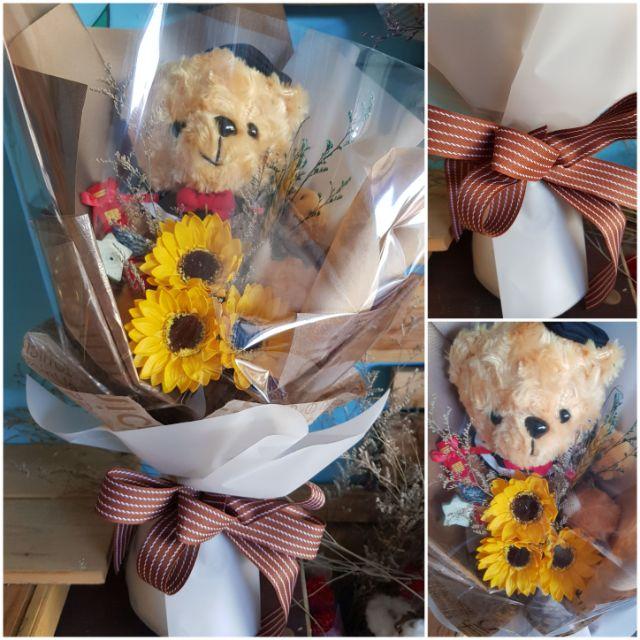 中型畢業熊乾燥花花束