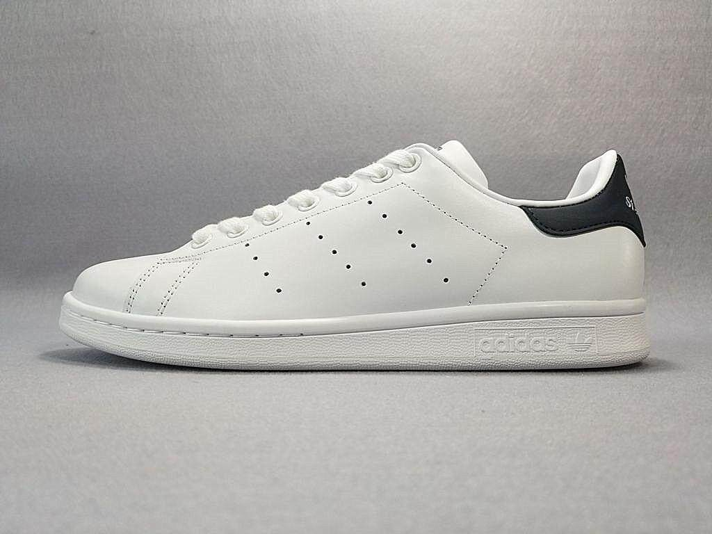 Adidas Stan Smith Men's Classic Sports Sneakers Fashion Running Shoe (White/Black)