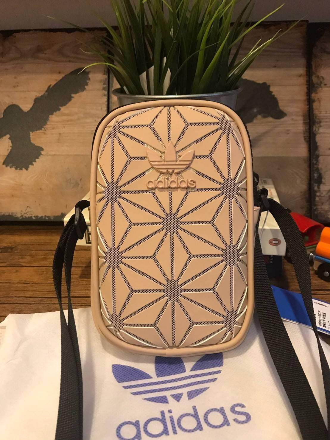 Adidas 3d airliner mini shoulder bag กระเป๋าสะพายรุ่นใหม่ขนาดมินิ