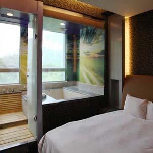 【7baby票券- 開發票- 有保障】烏來慈云溫泉 - 溫馨景觀房 - 住宿 (大床 + 冷熱雙池) + 早餐