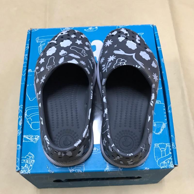native二手童鞋 9成新